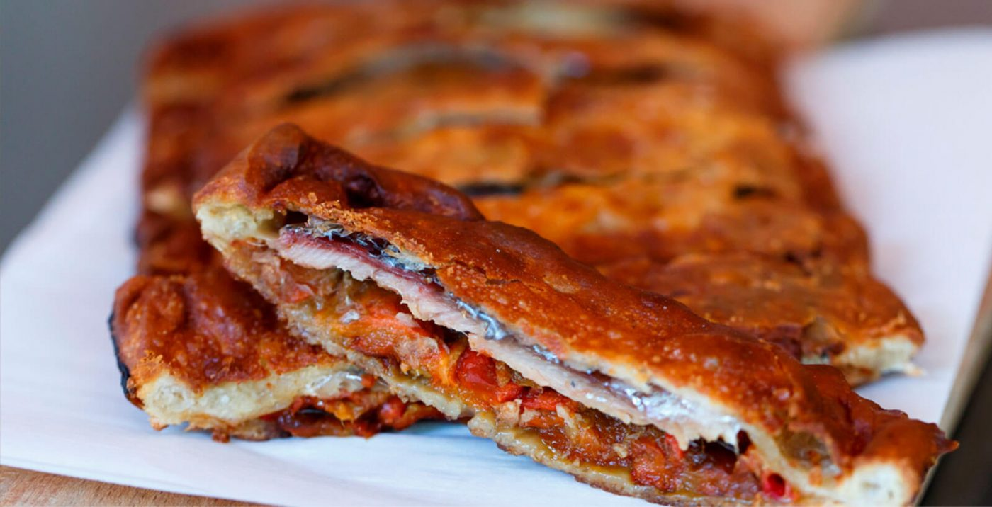 A Pulpeira de Melide. Taberna en clave de siglo XXI en la que se combina la tradicional pulpeira familiar con una cocina gallega actualizada donde manda la calidad del producto y su temporalidad.